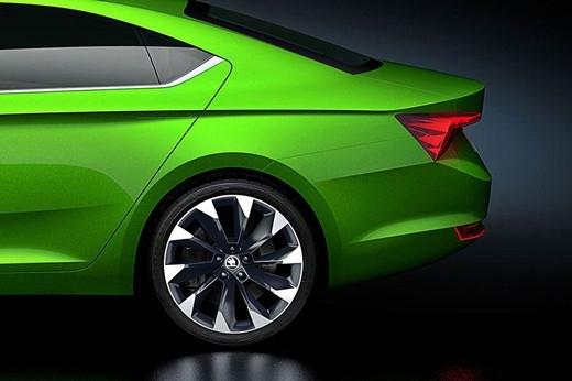 动力方面,Vision C概念车采用了1.4T四缸涡轮增压发动机,这款发动机采用了压缩天然气CNG作为燃料(国内很多城市的出租车也采用了同种燃料),燃料消耗量为3.4kg/100km,而二氧化碳排放量也仅为91g/km。 (图文/来自网络)