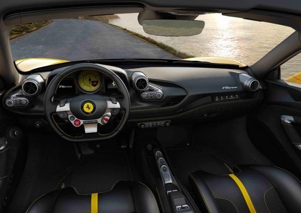 _Ferrari F8 Spider_09