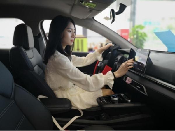 _比亚迪e2——开启电动出行全场景用车试驾体验269
